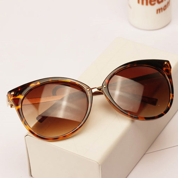 New-Women-039-s-Retro-Sunglasses-Bat-Shaped-Glasses-Metal-Frame-Eyeglasses-5-Colors